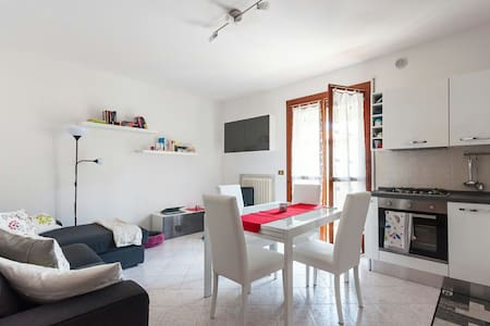 Private bedroom in nice apartment, near Padova - Lägenhet