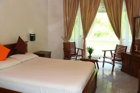 Ideal Lodging for singles  couples - Peradeniya - Bed & Breakfast