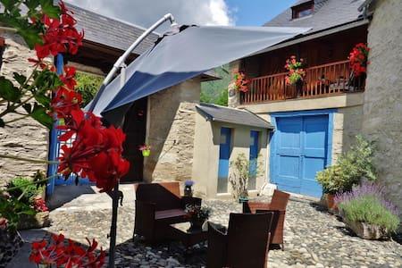 Chalet de montagne ski, rando, cure - Chalet