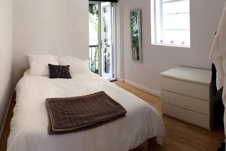 Your bedroom by the sea, Tamarama - 塔玛拉玛(Tamarama) - 公寓