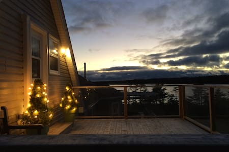 A Bothy Christmas by the Ocean - Seaforth