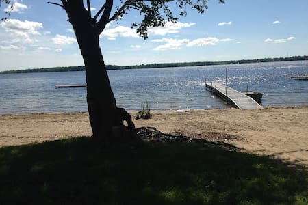 Full Apartment close to Orillia Water front/view - Appartamento