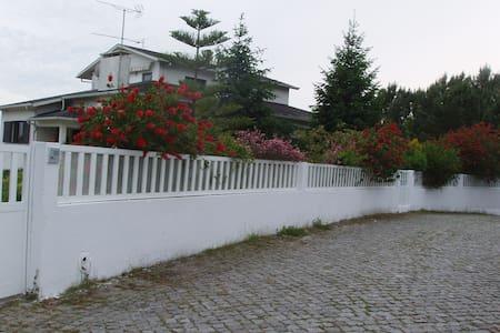 alugo apartamento em vivenda - Palmeira de Faro esposende - Daire