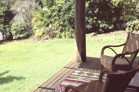 Lennox Treehouse - walk to town! - Lennox Head - House
