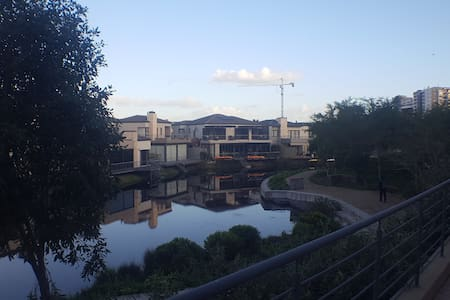 Waterstone Canal living - Kaapstad - Appartement