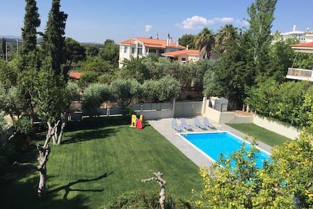 80m2 summer home in Rafina w/ pool - Rafina - Apartment