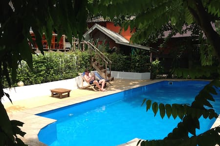 Aircon bungalows/townhouse rooms - Koh Chang Tai