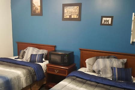 Hayat Motel at Serenity Hideaway - North Tonawanda