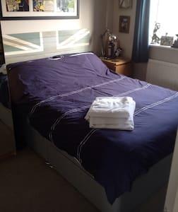 Double bedroom in Alverstoke (N) - Dom