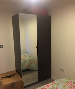 Double room and pvt bathroom available in Zone 2 - Apartemen