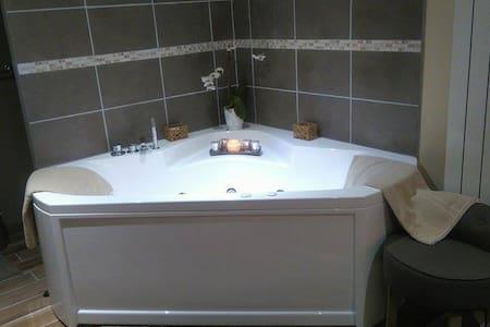 Chambre avec balnéo en Normandie - Bed & Breakfast