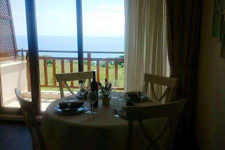 Люксозная Квартира с видом на море - Sosopol
