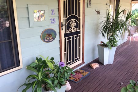 Pretty country cottage - Toodyay - Bed & Breakfast