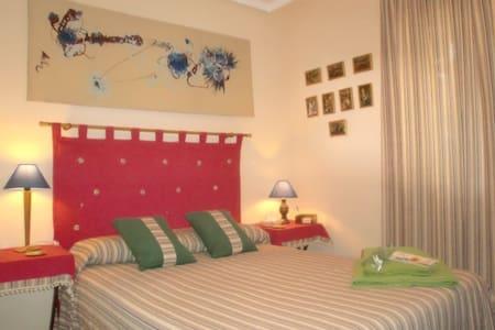 Habitacion  camas de matrimonio - Pis