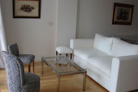 Excelente 2 amb. en Vicente Lopez - Apartamento