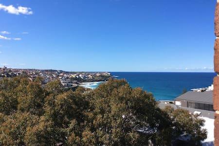 Stunning views overlooking Bronte  / Bondi Beach - Lägenhet