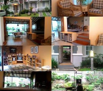 Home stay at Sentul City Bogor - Bogor - Ev
