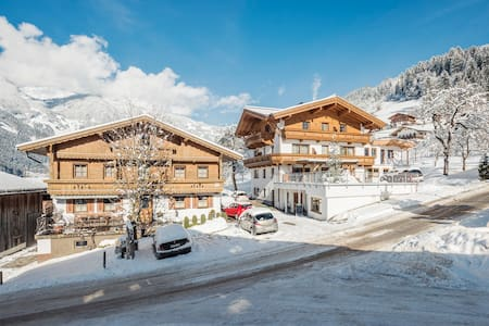 Panorama Appartement - Ramsau im Zillertal - Guesthouse