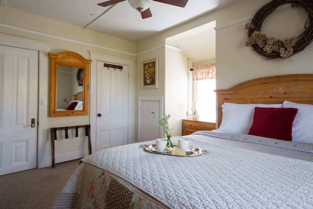 Super comfy rooms with a vintage feel and with today's conveniences!