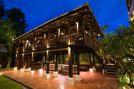 Rice Barn House with Pool & Breakfast - Su Thep