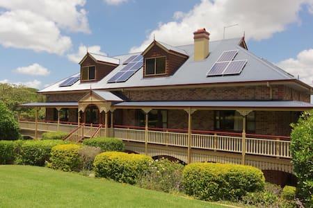 Spacious Mount Cotton Home Close To Sirromet - Mount Cotton - Haus