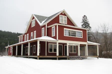 Navajo Lodge in the Adirondacks - Jay