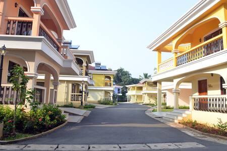 TripThrill Costa Holidays 3B Villa1 - Varca