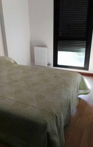 Acogedora y traquila habitación - Santovenia de Pisuerga - Bed & Breakfast