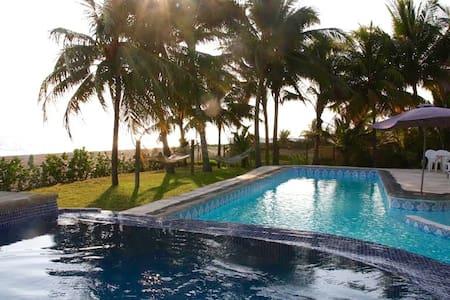 6 BDRMs Beach House w/ Ocean views - Escuintla - House