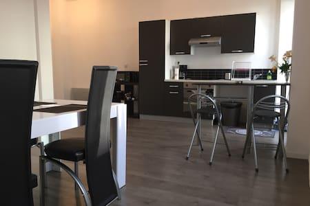 Appartement T2 65M2 - Apartment