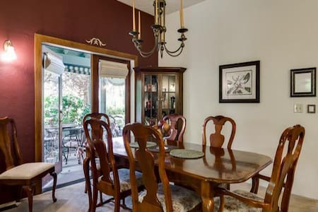 Double Twin Bedroom w/Private Bath and Breakfast - Eugene - Bed & Breakfast