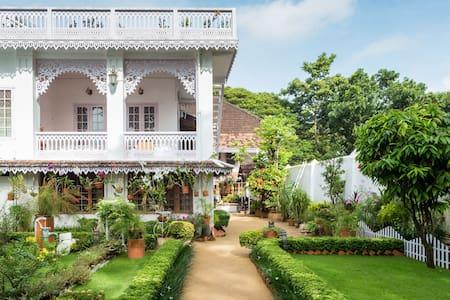 Delight Homestay Room No. 2 - Kochi - Bed & Breakfast