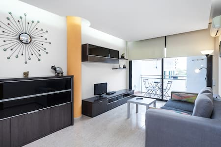 Apartamento en la Playa con wifi - Canet de Mar - Apartment