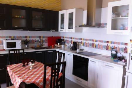 Посуточно 1-комнатная квартира - Одинцово - Daire