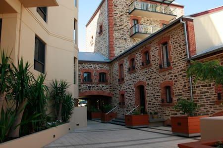 Ground Floor Town House - Adosado