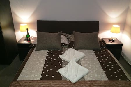 Dubai Hotel**** - Budapest - Bed & Breakfast
