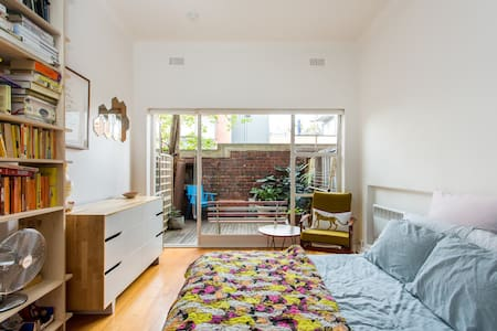 Beautiful studio apartment - Fitzroy