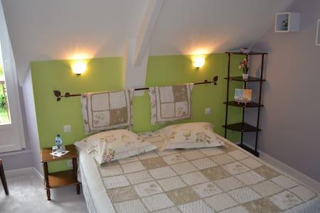 chambre  tout confort dans la baie du Mt St Michel - Hirel