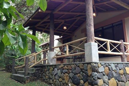 "Villa 16 ""Tropical Paradise"" - Retalhuleu - House"