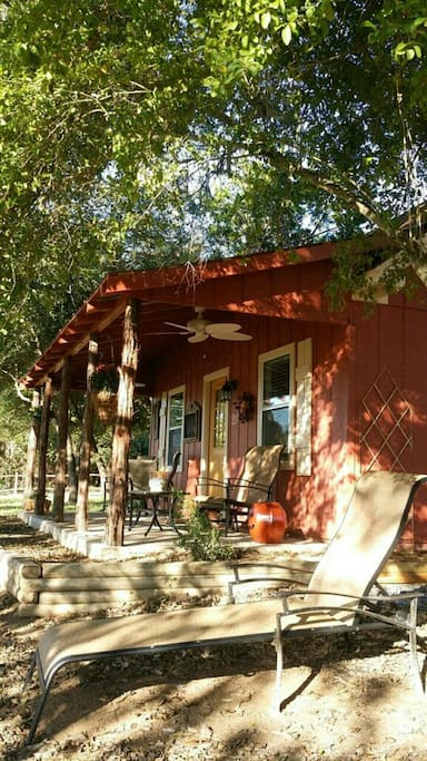 Ramsay's Cozy Cottage & Hot Tub
