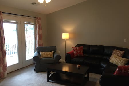 Convenient, Secure, Updated Southside Indy Condo - Indianapolis - Társasház