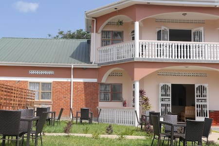 La Feve Bed and Breakfast - Bed & Breakfast