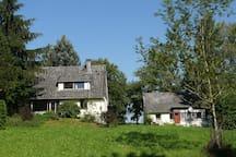 Forsthaus am Fuß der Burg Herzberg