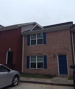 1BR/1BA in Dahlonega Square, walk to UNG - Dahlonega