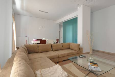 Modern, spacious and cosy apartment - Apartmen