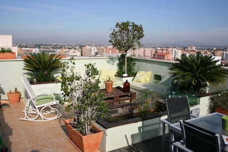 ATICO CON SPA-JACUZZI EN TERRAZA PARKING PARA AUTO - Murcia - Apartment