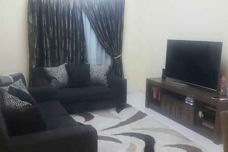 Queen bed room & furnished house - Apartment