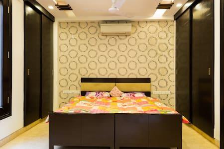 South Delhi - House