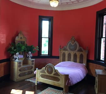 1896 Victorian Castle  Room - Castle