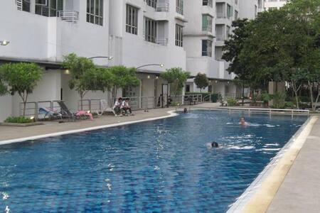 Free WI-Fi apartment near Sunway Lagoon - Apartment